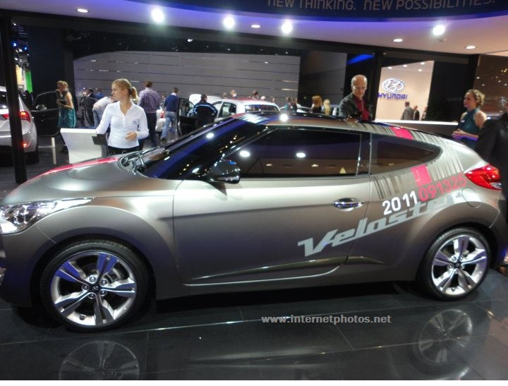 Hyundai Veloster Model photo